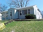Nice looking house wtih 3 bed/2 bath!