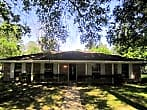 Huge corner lot in Pine Oak Forest with wonderf...