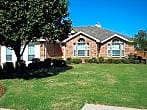 Charming Home on Corner Lot in Mansfield ISD!