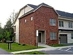 Great Upper level Condo in Hendersonville