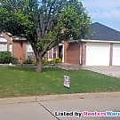 Well kept 3/2/2 with 2 bonus rooms Move in Ready - Fort Worth, TX 76137