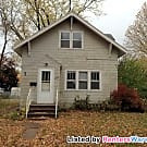 Adorable 2 bedroom, 1 bath bungalow! - Saint Cloud, MN 56303