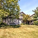 5 br, 3.5 bath House - 3711 Oakmont St SE - Grand Rapids, MI 49546