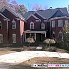 Spacious and Secluded Home - Perfect for Large... - Kennesaw, GA 30152