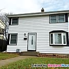 Stylish 2 bdrm with Fantastic 3 season room - Milwaukee, WI 53207