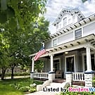 This Is A Must See!! Beautiful 5 Bed Victorian! - Minneapolis, MN 55412