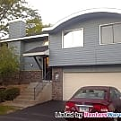 Fantastic clean 2 bedroom townhome available now! - Woodbury, MN 55125