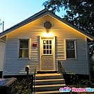 Single Family 3 Bedroom Home - Des Moines, IA 50315