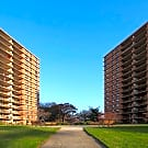 Troy Towers - Bloomfield, New Jersey 7003