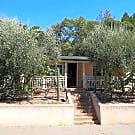 Chriming mid-century bungalow with pool near plaza - Healdsburg, CA 95448