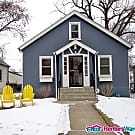 Cozy 3 Bedroom Home in South Minneapolis - Minneapolis, MN 55417