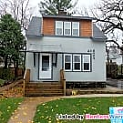 Charming 2 Bedroom in Kingfield - Minneapolis, MN 55419