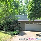 Great house in a amazing location!! - Golden Valley, MN 55416