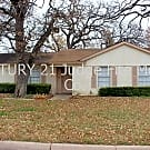 Excellently Located 3/2/2 in Central Arlington For - Arlington, TX 76011