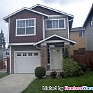 San Francisco style 3 bedroom home with a loft - Everett, WA 98204