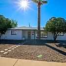 Amazing 4 bed / 3 bath in Phoenix! - Phoenix, AZ 85016