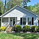 3 bed 2 bath home on a private corner lot! - Charlotte, NC 28216