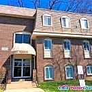 Lovely 2/1.5 Condo in Reisterstown Available Now! - Reisterstown, MD 21136