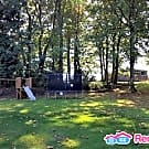 4br Duplex on 6+ Acres Utilities Included in Rent! - Kent, WA 98042