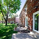 Oakmont Townhomes - Saint Louis, Missouri 63136