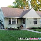 GREAT 2BR Home Steps From Lake Nokomis! - Minneapolis, MN 55417