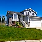 This 3 bedroom 2 bath home has 1681 square feet of - Roy, UT 84067