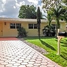 1111 N 70 Terrace - Hollywood, FL 33024
