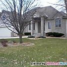 Beautiful Executive home in Blaine - quick move... - Blaine, MN 55449