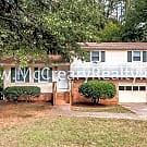 Recently Renovated 3BR/2BA Traditional Split-level - Austell, GA 30106
