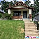 Nice Home Close to Public Transportation - Kansas City, MO 64130