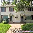 HUGE 3 Finished Lvl Side by Side Duplex In S.... - Minneapolis, MN 55410