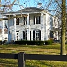 Historic Farm house on horse farm - Morrow, OH 45152