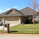 Beautiful 4 Bedroom home with Study in Yukon - Yukon, OK 73099