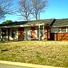 Quaint 3 bedroom 2 bath corner lot home in Denton. - Denton, TX 76209