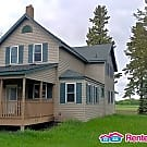 Country Home - 4BD, 2BA 1700sqft - $1300 - Lester Prairie, MN 55354