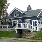 Charming 2 Bedroom Duplex Close to PSNS and Ferry - Bremerton, WA 98337