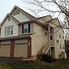 Open & Airy 3 Level Townhome In Streamwood, Il - Streamwood, IL 60107