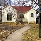 3 bedroom, 2 bath South Minneapolis in the Lynnhur - Minneapolis, MN 55419
