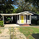 Beautiful Remodeled 3/1 on large treed lot - Tampa, FL 33610