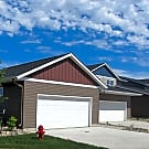 Retreat Townhomes - Fargo, ND 58104