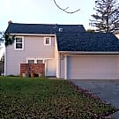 *PENDING* Well maintained 2-story duplex in Piedmo - Santa Rosa, CA 95409