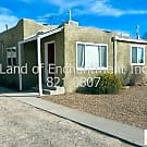 Pride of ownership. 3 Br, 1.75 Ba home w kitchen a - Albuquerque, NM 87106