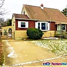 Spacious 4BD in Lovely, Quiet Essex - Essex, MD 21221