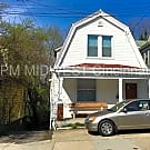 Updated 4 Bed House with Parking in Clifton! - Cincinnati, OH 45219