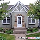 4 Bedroom/1 Bathroom Duplex (Hiawatha) - Minneapolis, MN 55406