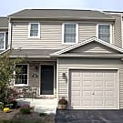 Luxury townhome w/private setting, easy hwy access - Harrisburg, PA 17111