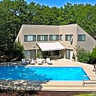 12 North Quarter Road - Westhampton, NY 11977