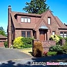 Gorgeous Magnolia Brick Classic 4 bedroom,... - Seattle, WA 98199