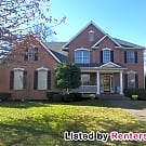 Executive Lake Home; Cleaning/Lawncare INCLUDED - Hendersonville, TN 37075