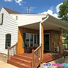 Country Living! 2 Bed 1 Bath Large Garage HUGE... - Chaska, MN 55318